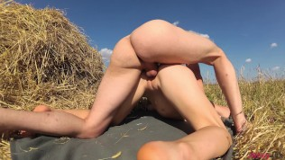 Teen gets hot anal orgasm outdoors